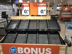 foodsector tijdens de corona crisis: lege supermarkt schappen